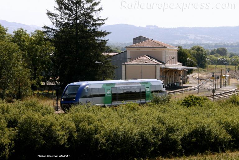X 73500 SNCF à Saint Georges d'Aurac (F-43)