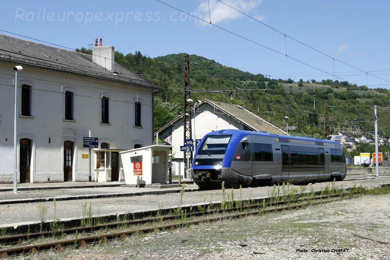 X 73500 SNCF au Monastier (F-48)