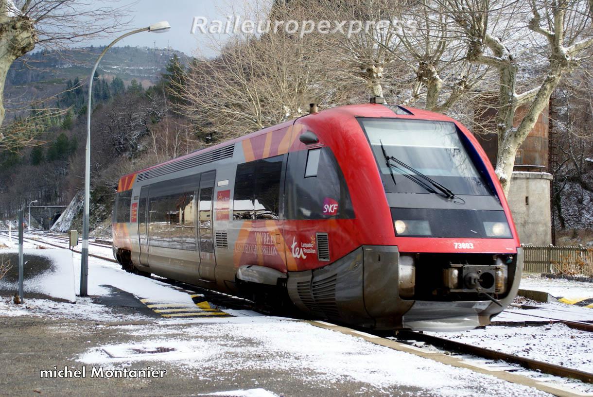 X 73803 en gare de Villefort