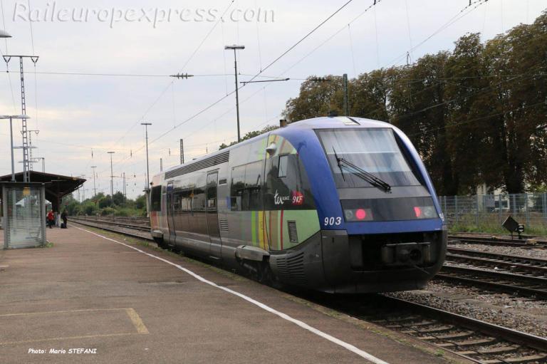 X 73903 SNCF à Müllheim (D)