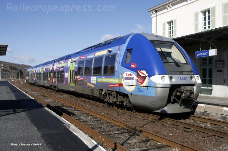 X 76507 SNCF à Langeac (F-43)
