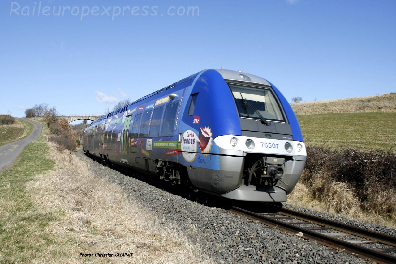 X 76507 SNCF à Saint Georges d'Aurac (F-43)