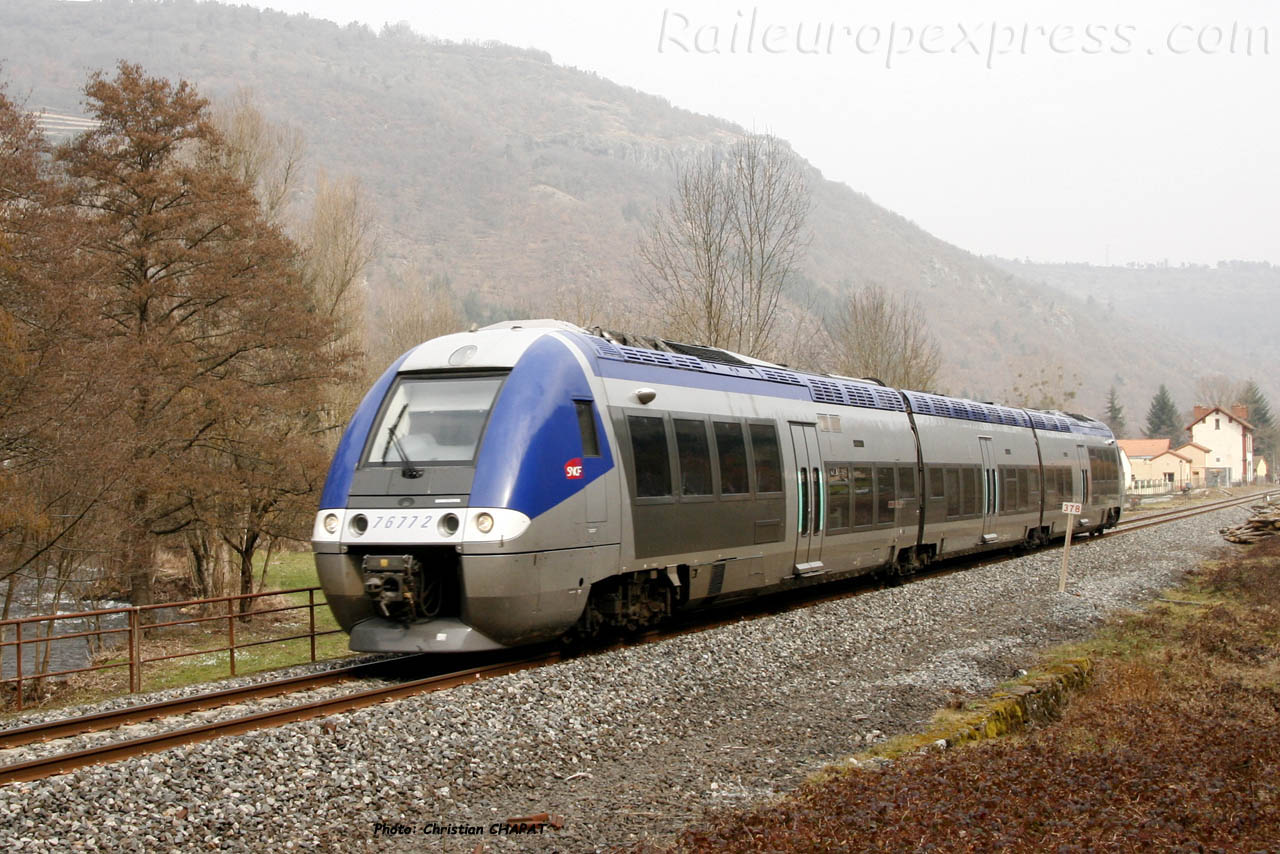 X 76772 SNCF à Molompize (F-15)